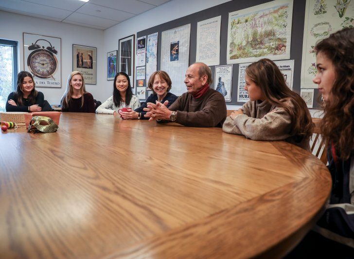 """Joseph Nadeau '55 meets with Theater Instructor Sarah Ream '72 and current students who contributed to his collection of essays, """"I Can Still See It Now."""""""