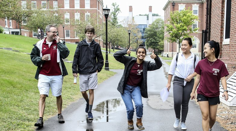 Students move in at Exeter