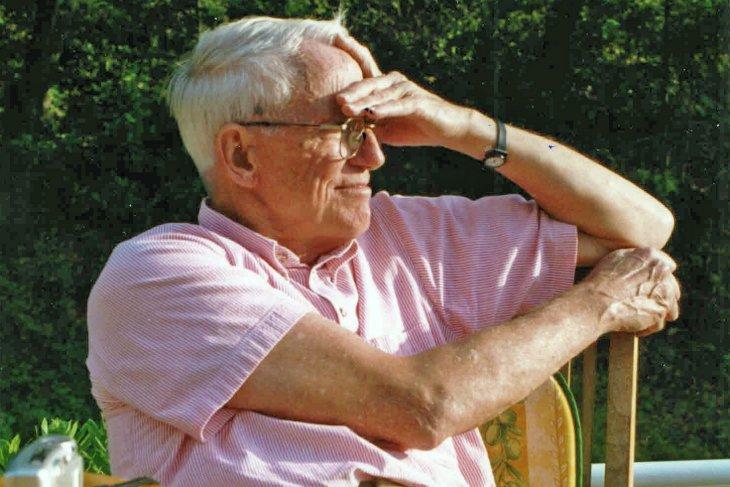 Ed Mills '51